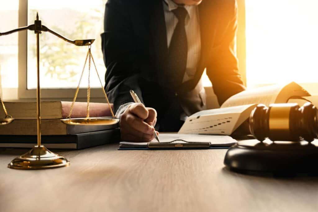 caracteristicas del derecho maritimo